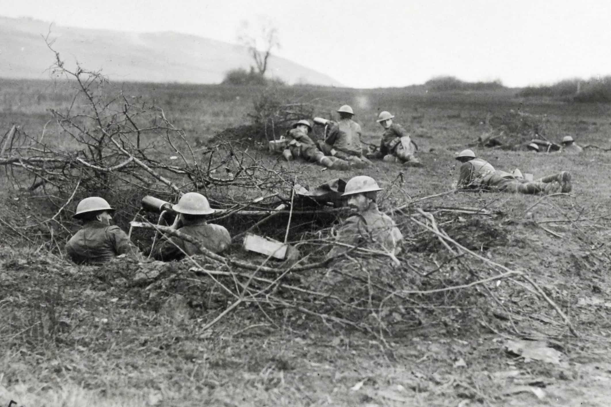 Machine guns of the 79th on Hill 328 the day after the Armistice.  Note the lack of trenches and barbed wire, as the Germans had been retreating rapidly. (AHEC)